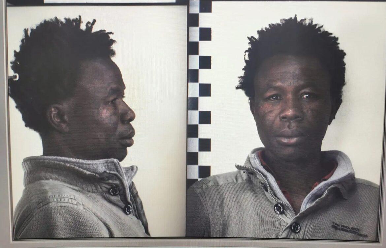 Itálie: Africký vetřelec vážně pobodal 65letou ženu, policii zatím uniká
