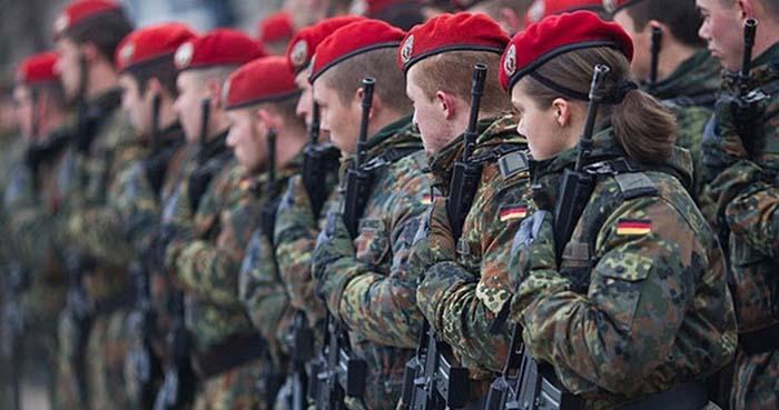 """Důstojník Bundeswehru: """"Německá armáda by neměla šanci ani ve válce proti Ázerbájdžánu"""""""