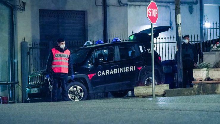 """""""Všechny vás zabiju, Allahu akbar,"""" křičel Maročan a napadl dva italské policisty, oba lehce zranil"""