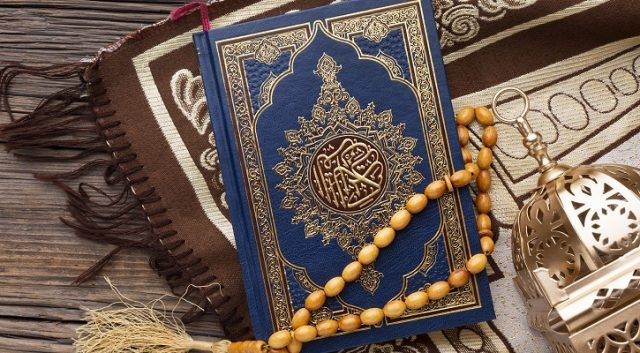 V rakouském Linci útočil muslim, 50m vláčel autem policistu, zatímco mával Koránem