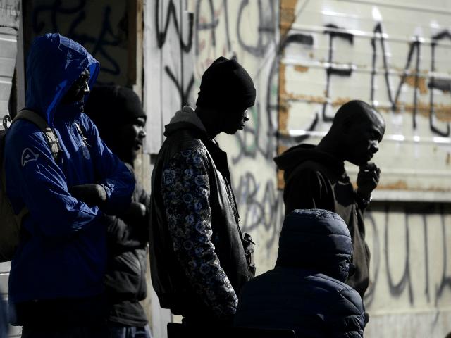 Deset Italů si založilo několik promigračních neziskovek, vyždímali na ně od státu miliony eur