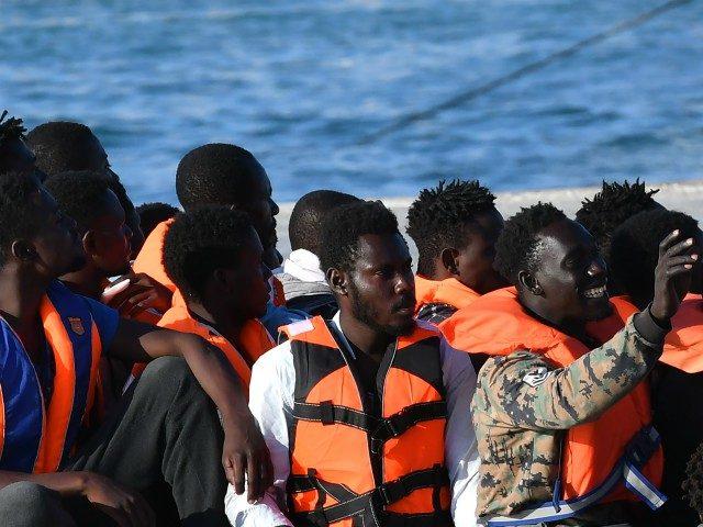 EU zřejmě bude na návrh Itálie platit tučné výpalné Libyi a Tunisku