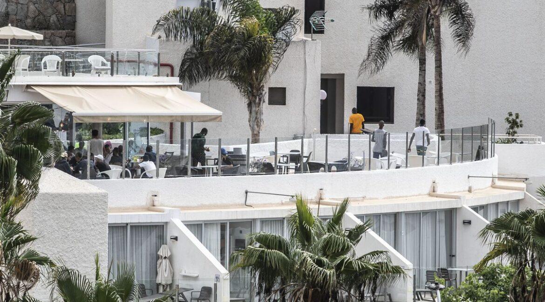"""Kanárské ostrovy: """"Sirotek bez doprovodu"""" se pokusil pobodat v hotelu pečovatele"""
