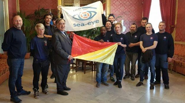 Starosta Palerma dal čestné občanství členům pašerácké neziskovky Sea Eye