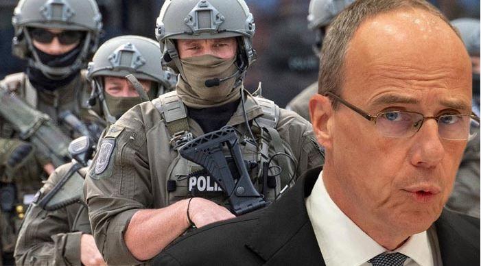 Komu prospěje rozpuštění údajně ultrapravicové speciální policejní jednotky ve značně islamizované oblasti Německa?