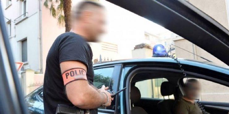 """Francie: Za pokřiku """"Allahu akbar!"""" se vrhl muslim na policistu a snažil se mu vzít zbraň, skončil na psychiatrii"""