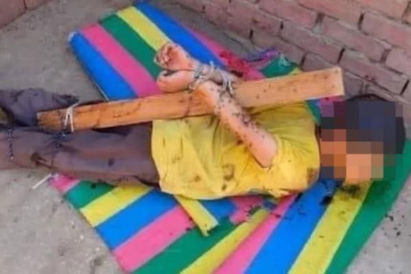 Egypťan přivázal svého sedmiletého syna k tyči, potřel ho medem a položil na střechu, aby přilákal včely