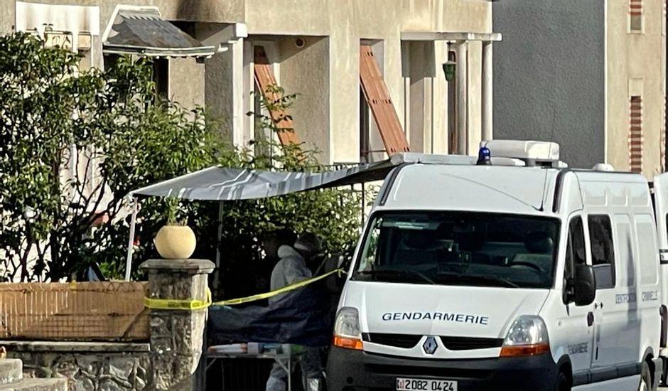 Muslim zavraždil francouzskou expřítelkyni a jejího souseda, dům, v němž byly 3 děti, zapálil