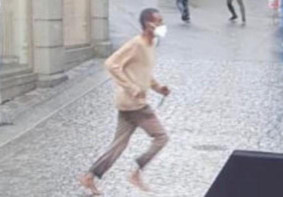 Somálci, který v Německu zavraždil 3 ženy a další pobodal, zajistil Würzburg nejlepšího právníka