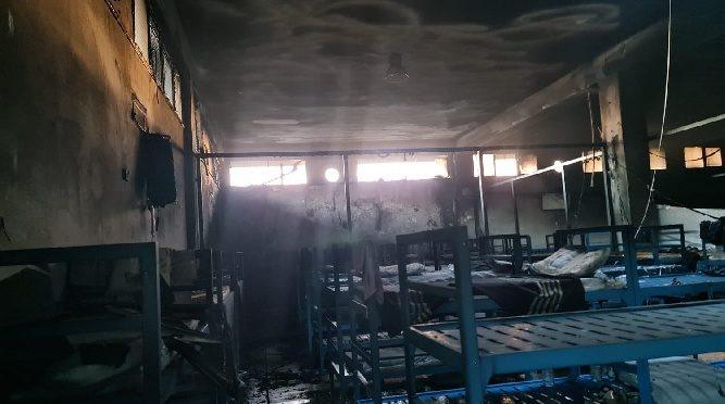 Itálie: Invazisté zapálili další azylové centrum (videa)