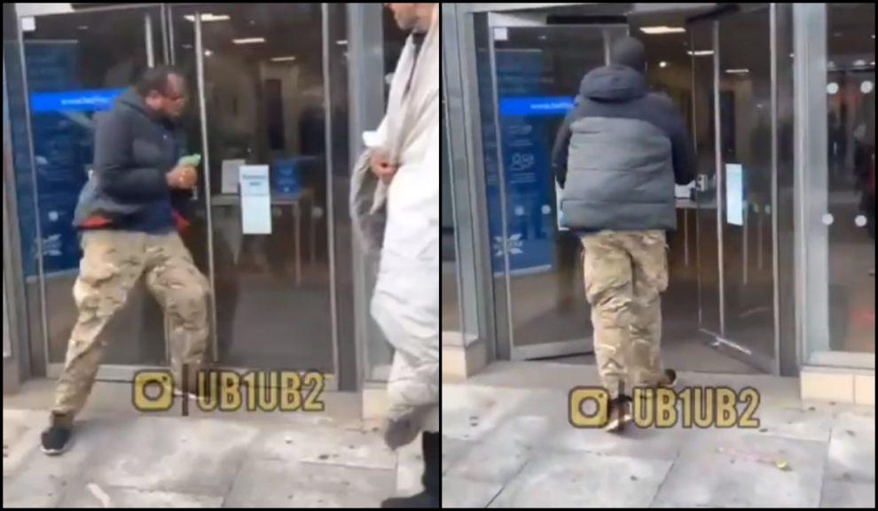"""Za pokřiku """"Allahu akbar"""" muslim rozkopl dveře londýnské banky (video)"""