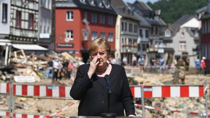 Peníze z německých fondů na pomoc obětem katastrof byly převedeny na pomoc žadatelům o azyl