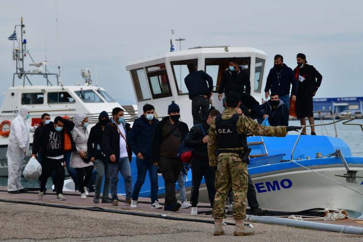 Řekové už mají dost kriminality invazistů