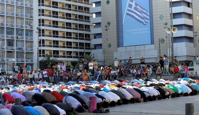 Řecko: Islámská policie prosazuje pravidla práva šaría v centru Atén a terorizuje lidi