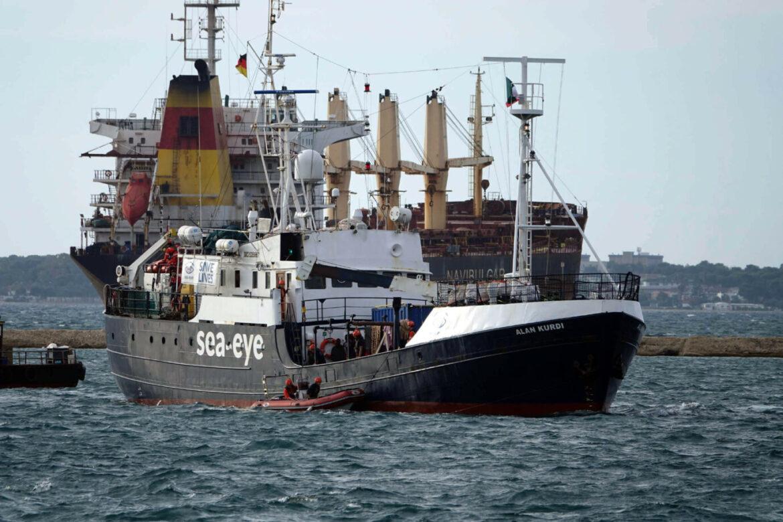 Německá pašerácká neziskovka byla nucena prodat loď Alan Kurdi