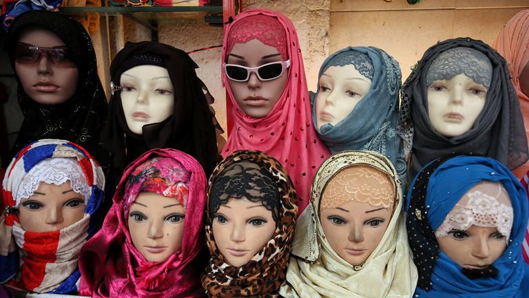 Turecko protestuje proti rozhodnutí soudu EU, že zaměstnavatelé mohou zakázat muslimkám nosit hidžáb