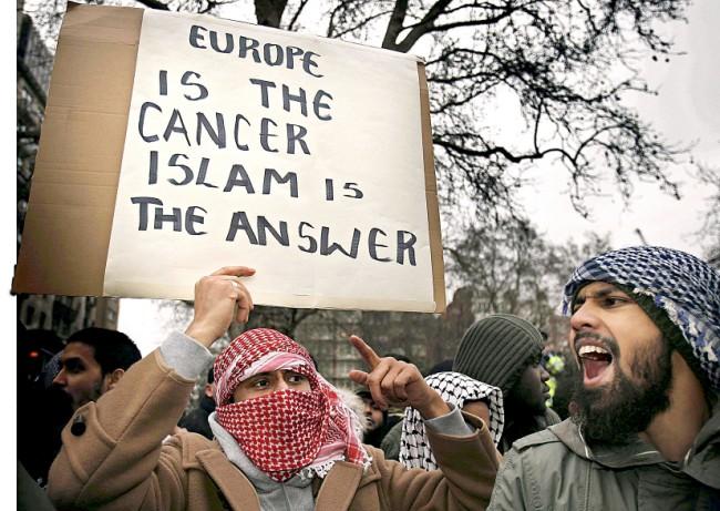 Proč židovské organizace – podobně jako církev – podporují islamizaci Evropy?