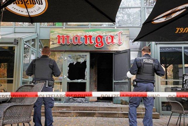 Německo: Údajný útok zápalnou bombou na kurdskou restauraci byl sveden na ultrapravici, šlo však o pojistný podvod