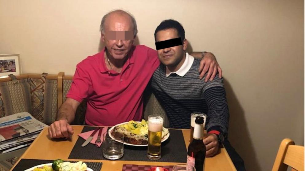Bohatý německý důchodce si adoptoval již dospělého Afghánce, ten ho záhy poté zavraždil