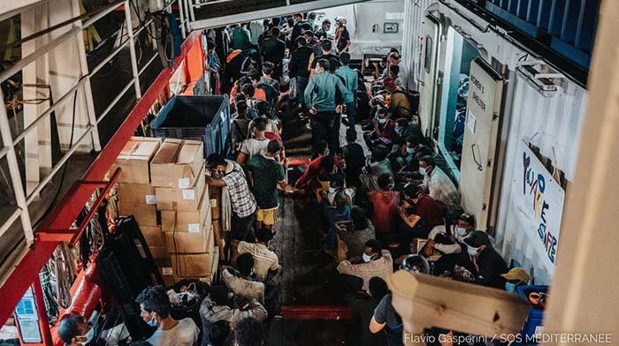 Seznamte se s novými Evropany, které dnes vyklopila u sicilských břehů pašerácká loď Ocean Viking (video)