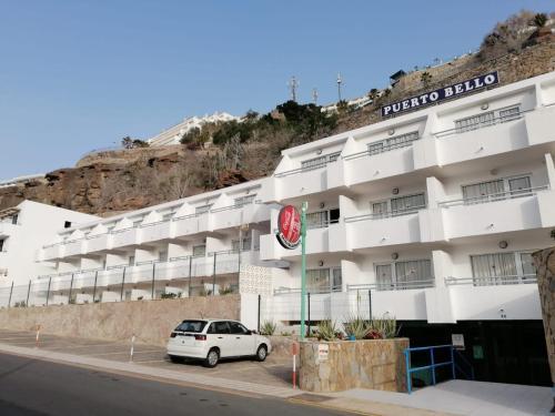 Kanárské ostrovy: Agresivní africké invazisty přestěhovali ze zdevastovaného hotelového komplexu