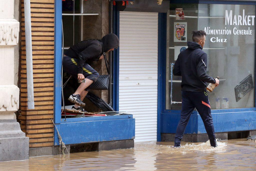 Belgie: Po ničivých povodních dochází v postižených městech k rabování
