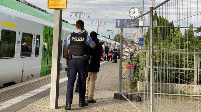 """V Mnichově a v Berlíně je pojem """"černá jízda"""" zakázán, je prý rasistický"""