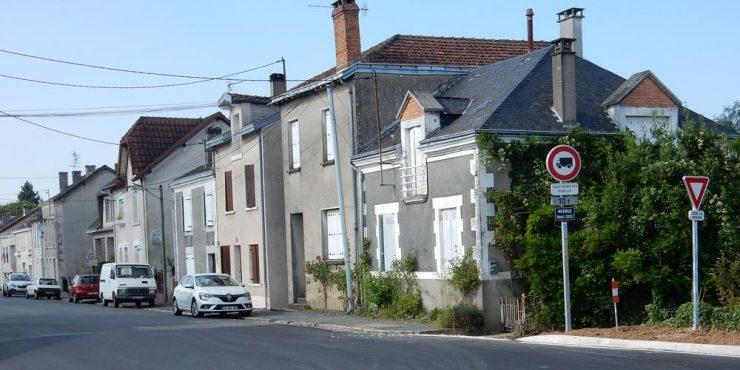 Francie: 80letá žena byla násilně napadena uprostřed noci ve svém domě