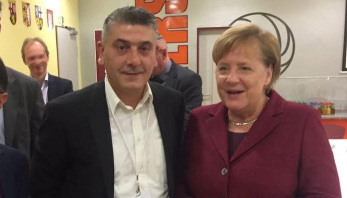 Za žhářství a pojistný podvod byl zatčen muslimský kamarád Merkelové