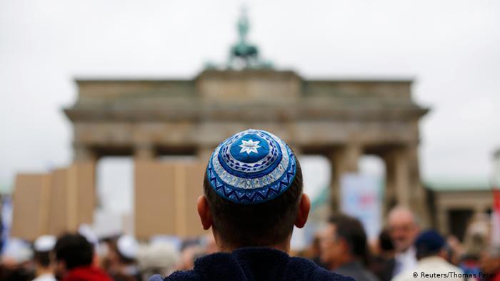 Německo: Žid byl brutálně zbit bandou deseti Turků