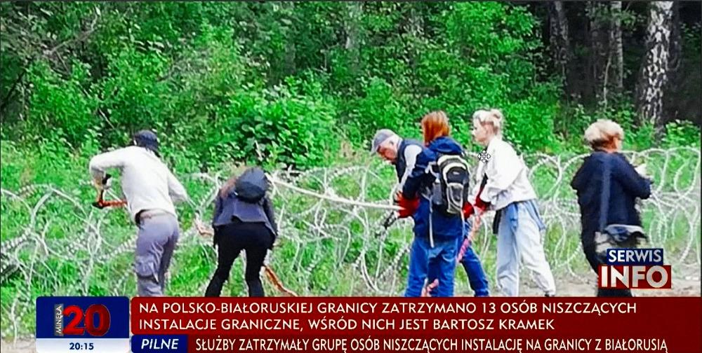 Podívejte se, jak polští dobroseři zničili plot na hranicích s Běloruskem (video)