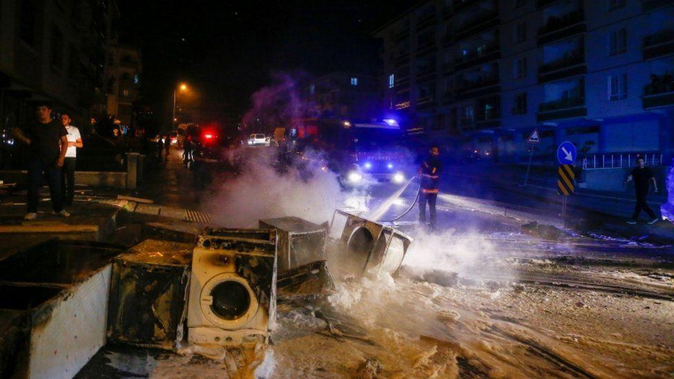 V turecké Ankaře zavraždil Syřan místního mladíka, městem zmítají nepokoje (videa)