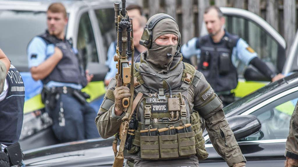 Muž tmavé pleti se sekerou rozséval strach v ulicích německého Gmündu