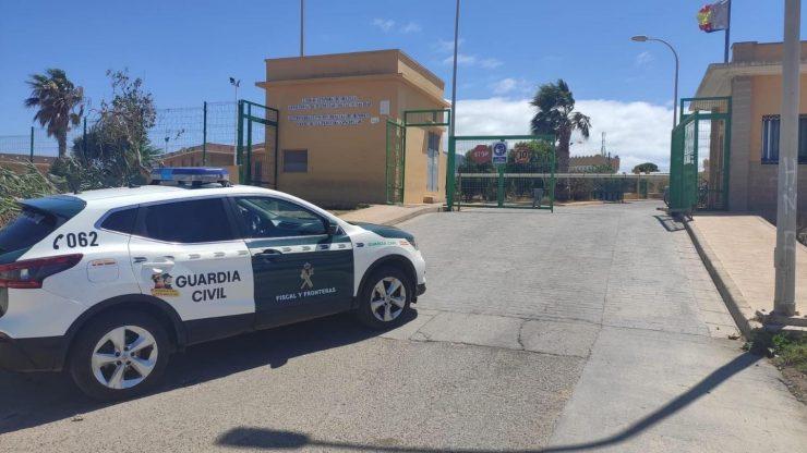 Španělsko: Zdravotníci byli napadeni během zásahu v zařízení pro nezletilce bez doprovodu