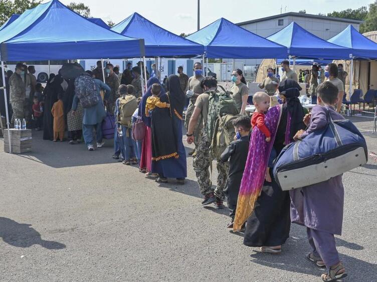 Jen na německou základnu Ramstein přiletělo do soboty 20 500 Afghánců