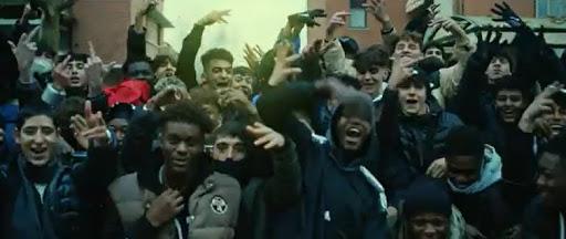 Desítky Afričanů řádily v italském Riccione (video)