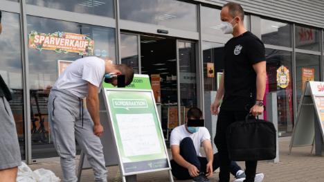 Německo: Syřané, kteří vykrádali bankomaty a měli u sebe výbušniny, byli krátce po zadržení propuštěni