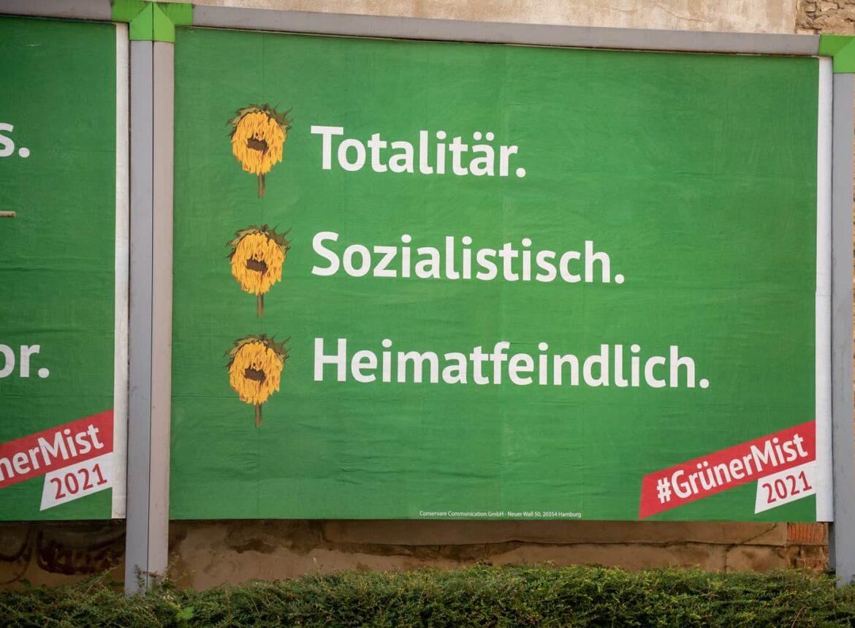 """V Německu začala kampaň """"Zelené kraviny 2021"""", která má varovat před volbou Zelených"""