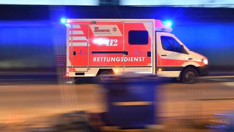 Berlín: Afghánec několikrát vrazil ženě nůž do krku, vadilo mu, že jako žena pracovala