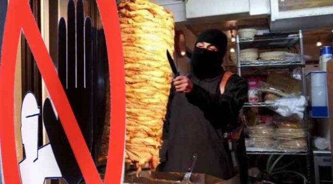 V Itálii uzavřeli kebabárnu – byla plná švábů, které podávali i s jídlem