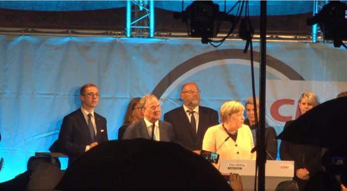 """""""Vypadni!"""" – bučení, pískání a nadávky – tak """"mile"""" Němci přivítali Merkelovou (video)"""