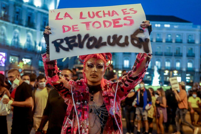 Vymyšlený homofobní útok vyvolal ve Španělsku vlnu demonstrací LGBTQ aktivistů