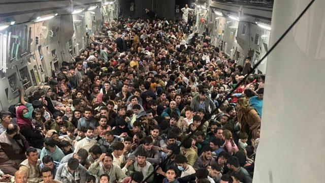 Mnozí evakuovaní Afghánci odmítají jít do USA či jiných zemí, preferují Německo