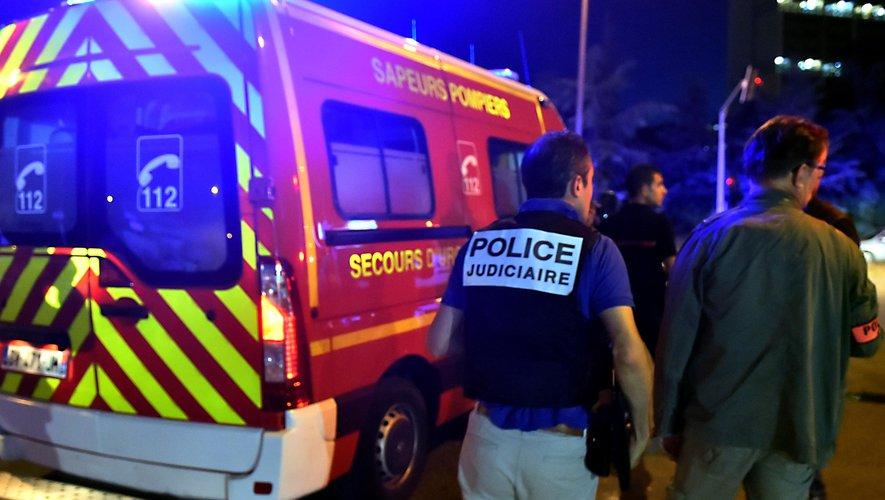 Francie: Muslimové vraždili oblečeni v burkách