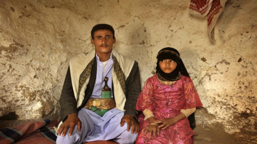 Dětské nevěsty jsou v Afghánistánu běžné, výjimkou nejsou ani devítileté holčičky, provdané za starce