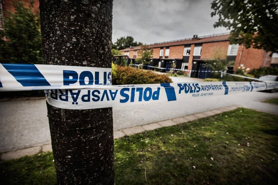 Švédsko: Do bytu hodil neznámý pachatel granát, jedna žena byla zraněna