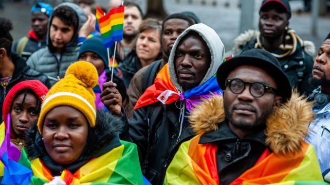 Stále více Afričanů, kteří jdou do Evropy, se hlásí k LGBTQI