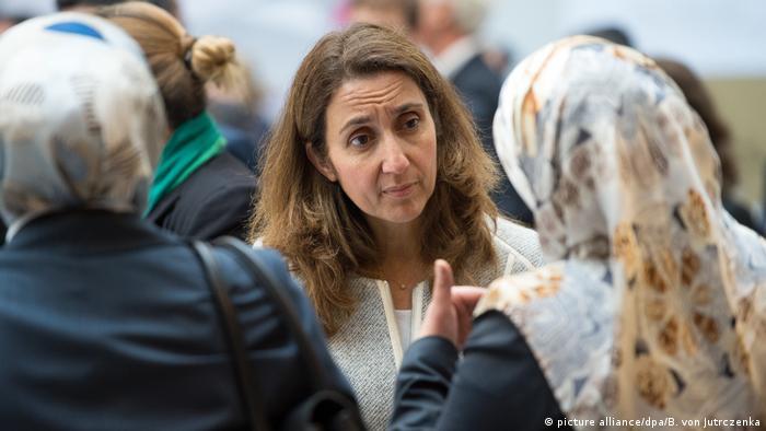 Předsedkyní Bundestagu se má stát podporovatelka islámských radikálů a obdivovatelka Erdogana