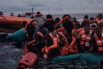 Podívejte se na nový úlovek německé pašerácké lodi Sea Watch, vylovený u libyjských břehů