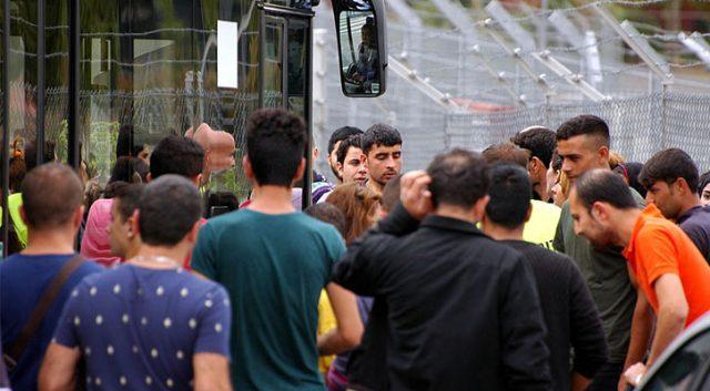 Rakousko otevírá další azylové domy, počty žádostí o azyl rostou